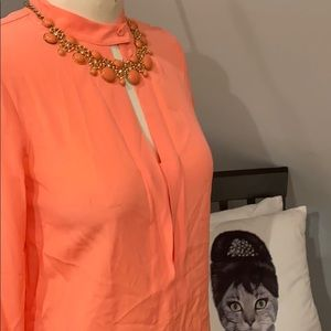 Banana republic coral statement necklace